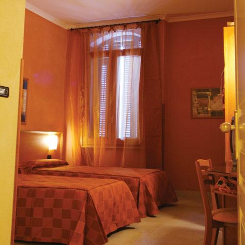 Dormire a Napoli - Soggiorno a Napoli - Vacanza a Napoli - Hotel Eden